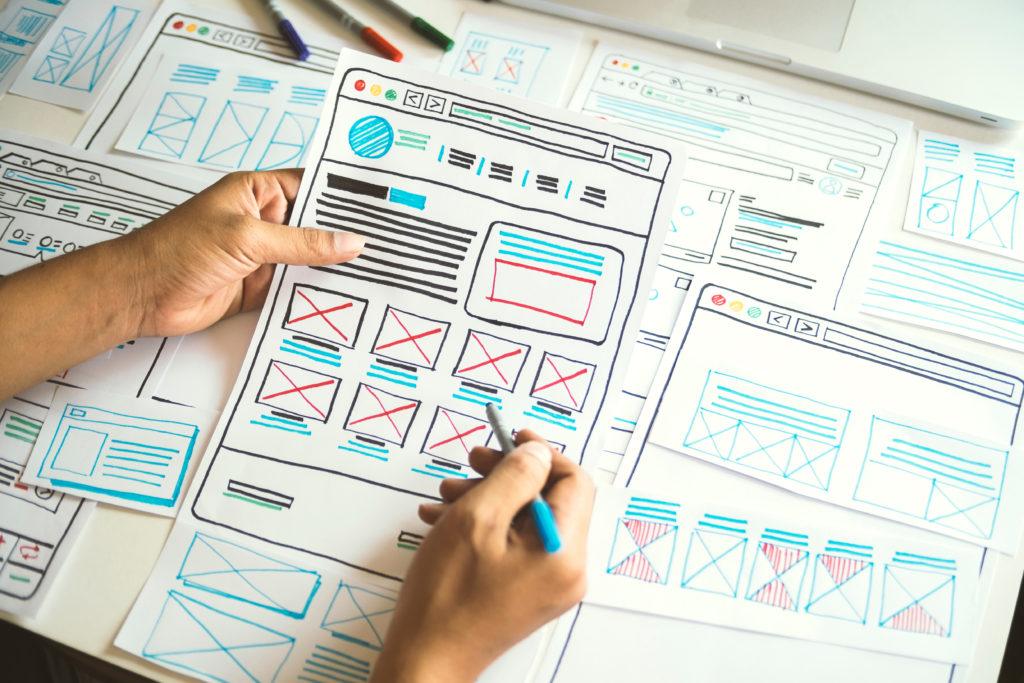 サイト構成を検討中のイメージ画像